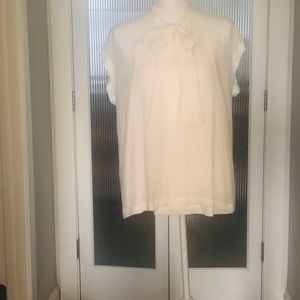 🌸NWT🌸 Ivory Shell with Tie